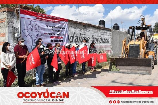 Entregan obra en Malacatepec