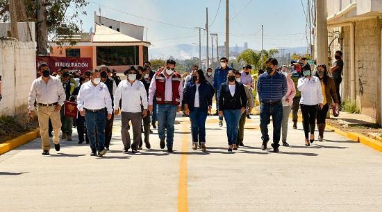 Lupita Daniel inaugura obras de pavimentación en la Junta Auxiliar de Sanctorum