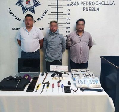 Por portación de arma sin el permiso correspondiente, detiene policía de San Pedro Cholula a 3 hombres